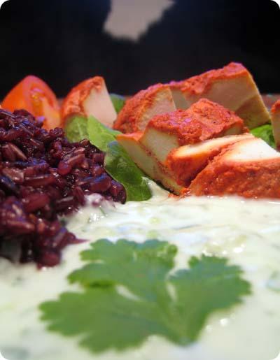 Tandoori chicken, black rice and cucumber raita